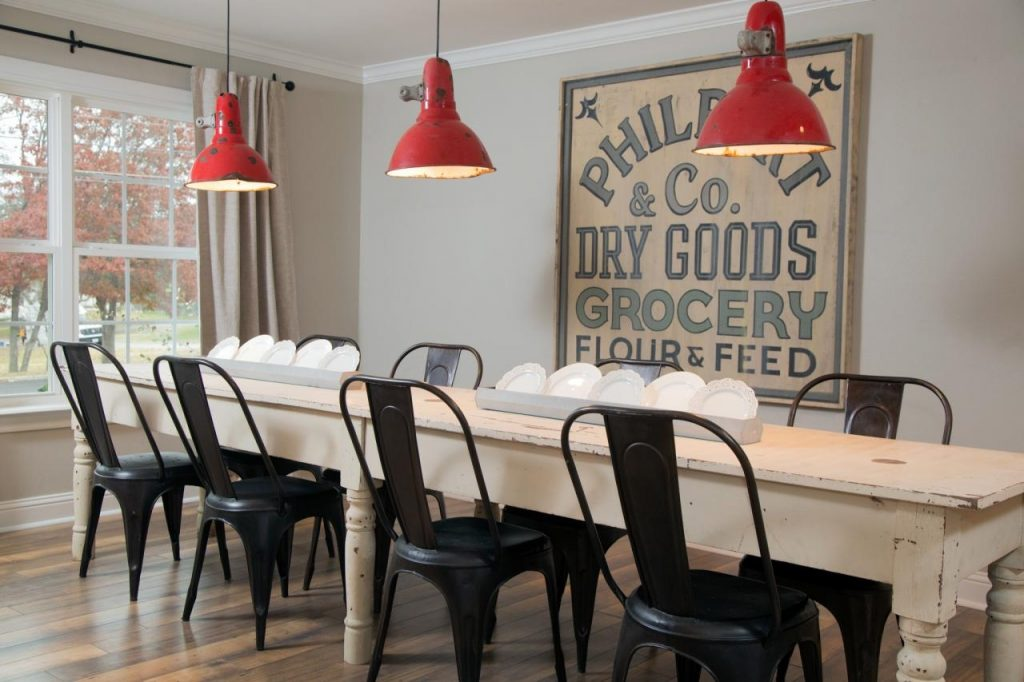 15 Ways To Dress Up Your Dining Room Walls Hgtvs Decorating
