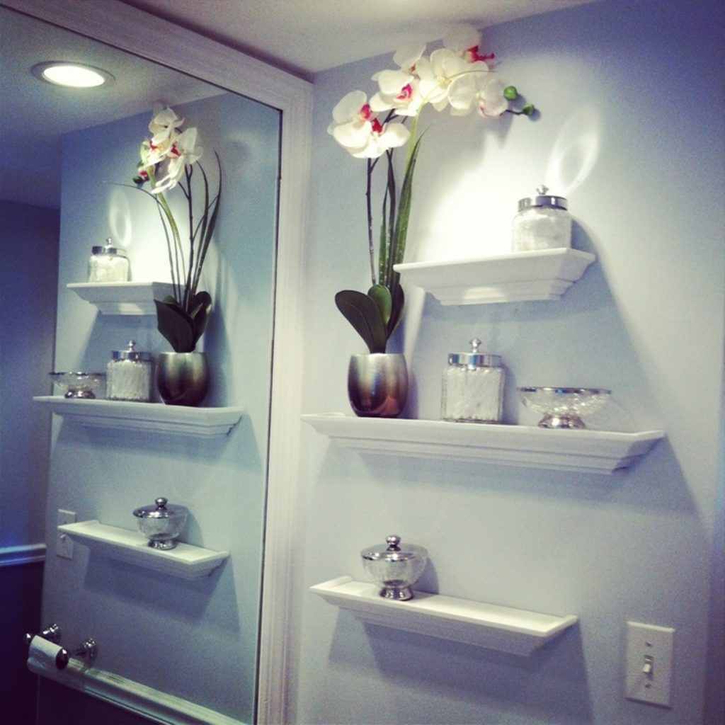 Beautiful Bathroom Wall Decor Using Sweet Flower Vase Decoration