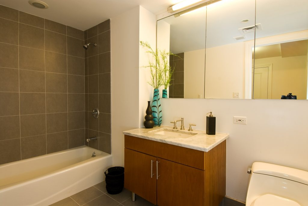 Beautiful Extraordinary Small Bathroom Remodel Cost Living Brockman