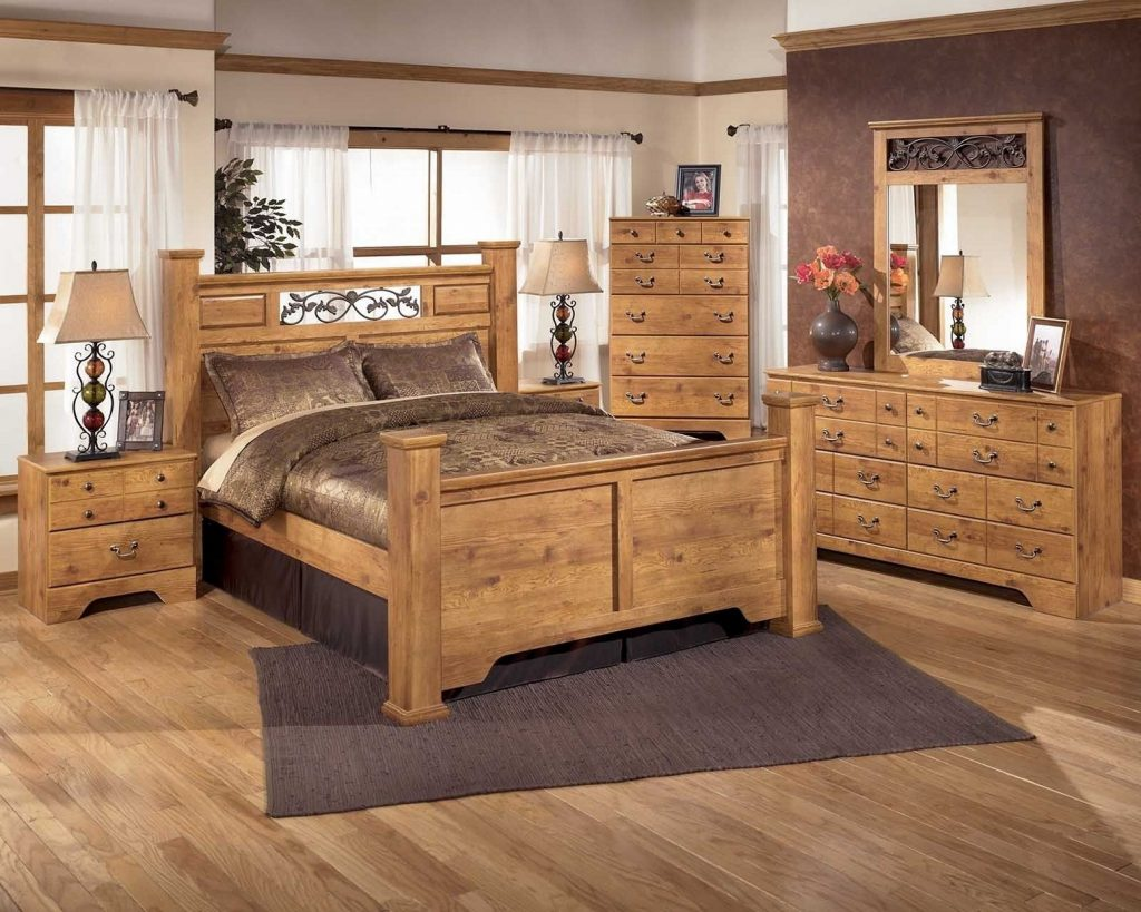 Bedroom Distressed White Bedroom Sets Compact Agreeable Solid Wood
