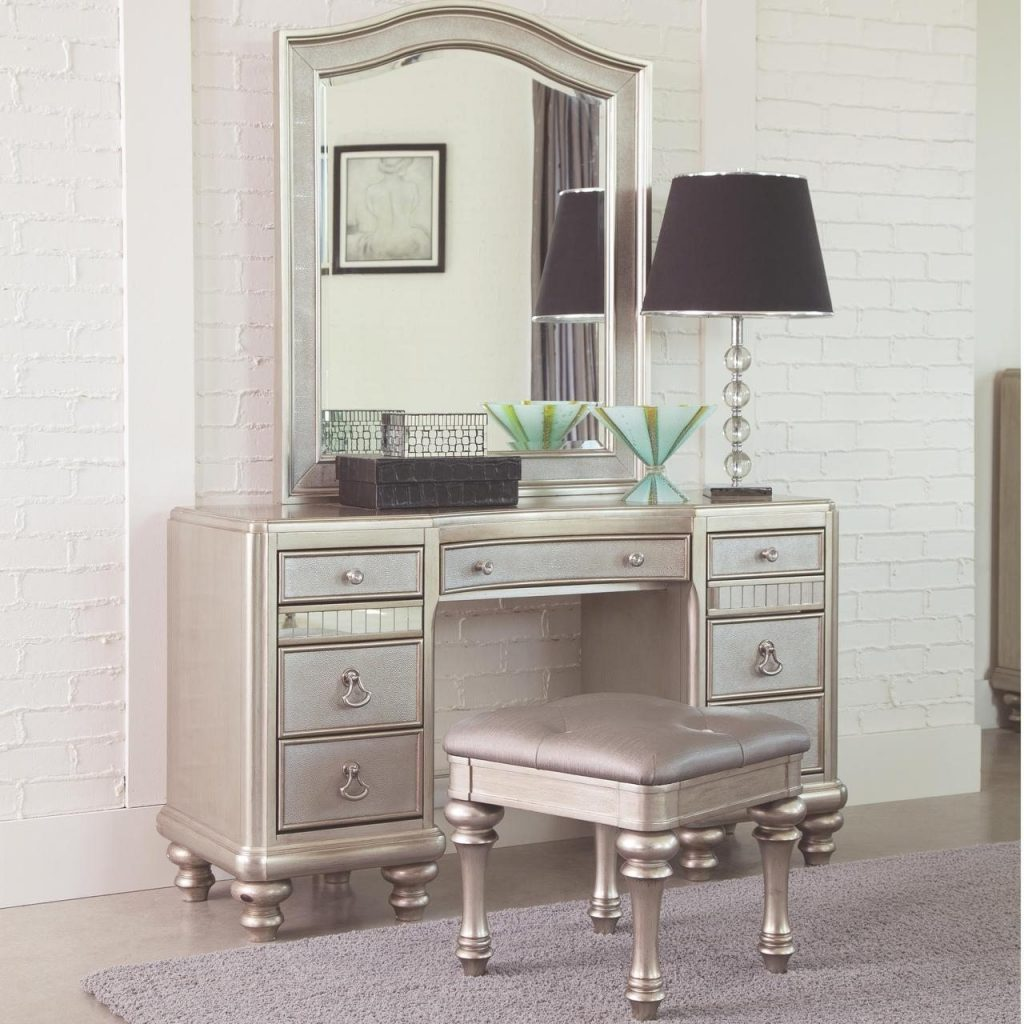 Bedroom Makeup Vanity Sets Large Makeup Vanity Set Vanity