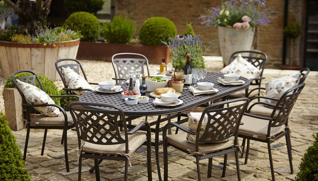 Berkeley Cast Aluminium Oval 8 Seater Garden Dining Set 1150