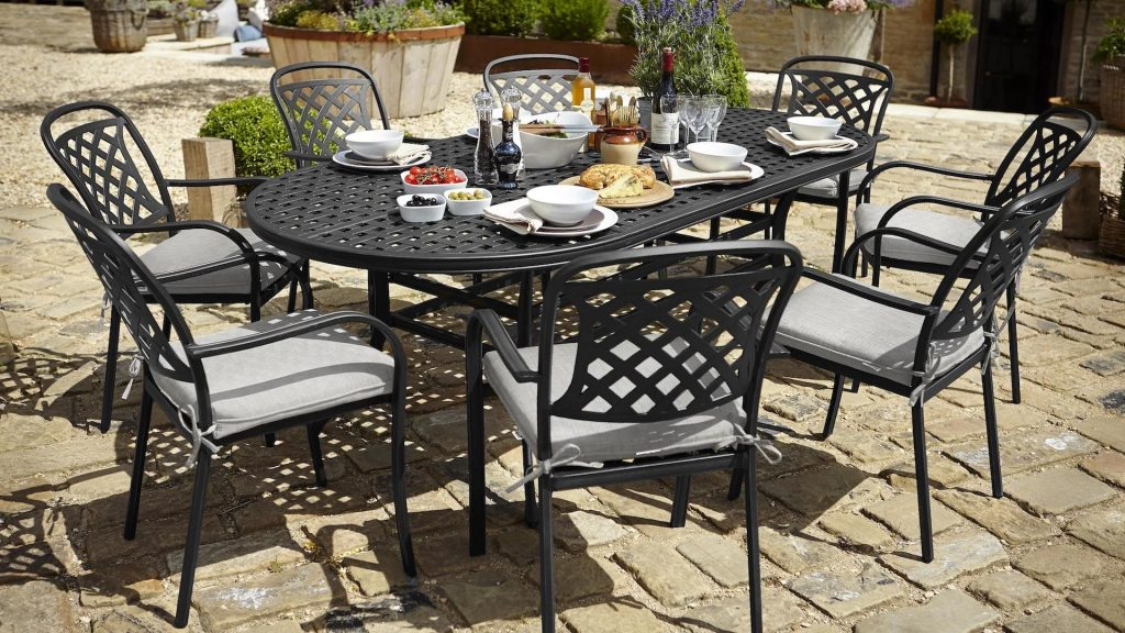 Berkeley Oval Set Hartman Cast Aluminium Garden Furniture