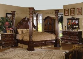 Bedroom Sets With Posts