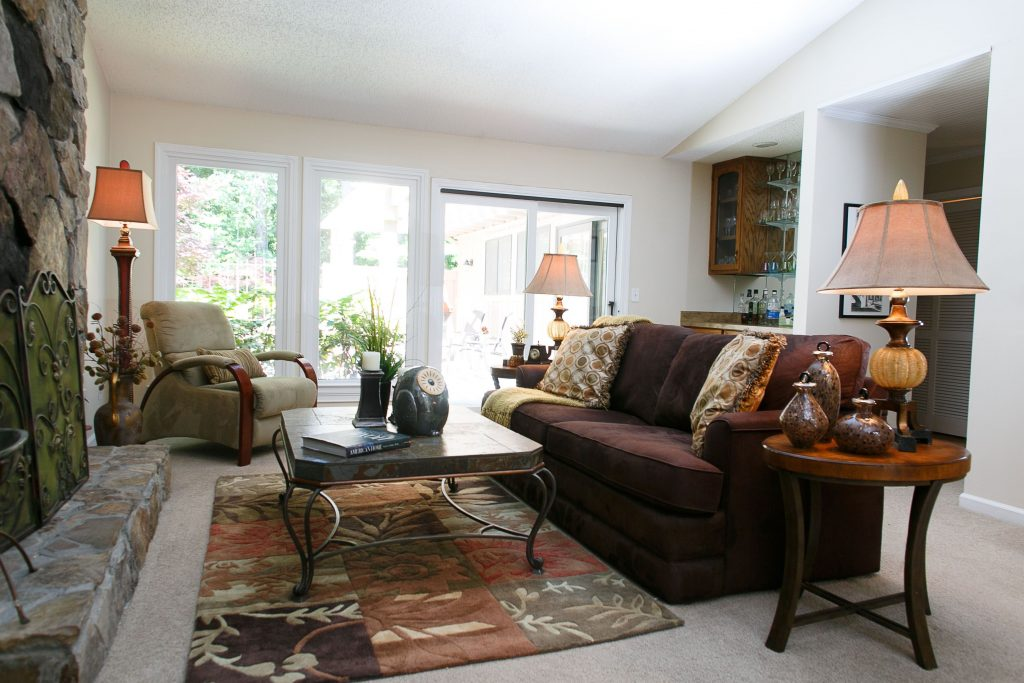 Casual Living Room Earth Tones Transitional Furniture Living