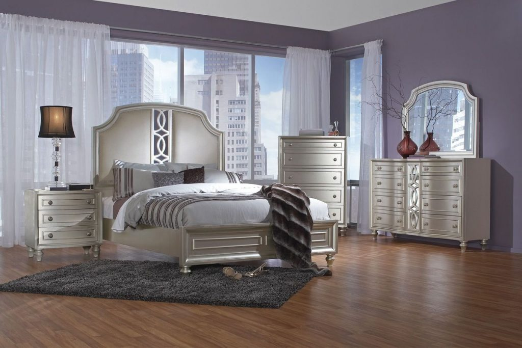 Colleen 5 Piece King Bedroom Set With 32 Led Tv At Gardner White