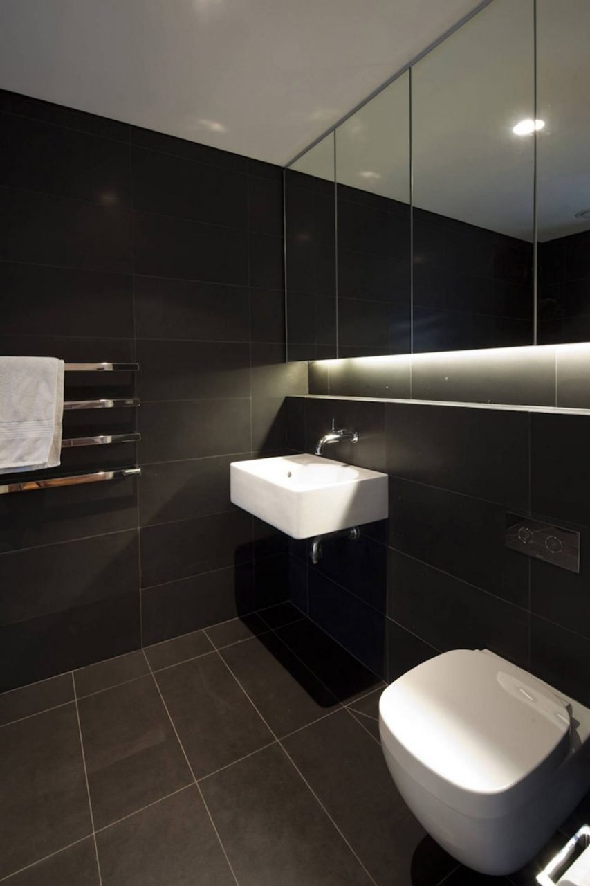 Dark Tiled Bathroom Vaucluse House In Sydney Australia Mpr