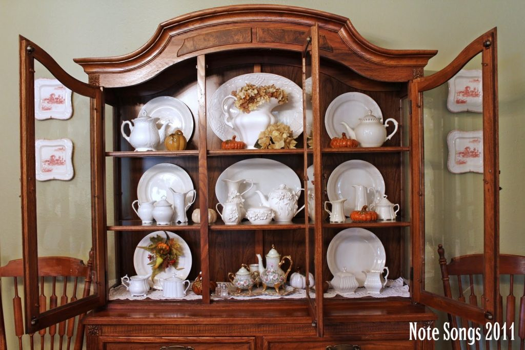 Decorating A Dining Room Hutch Dining Room Decor Ideas And