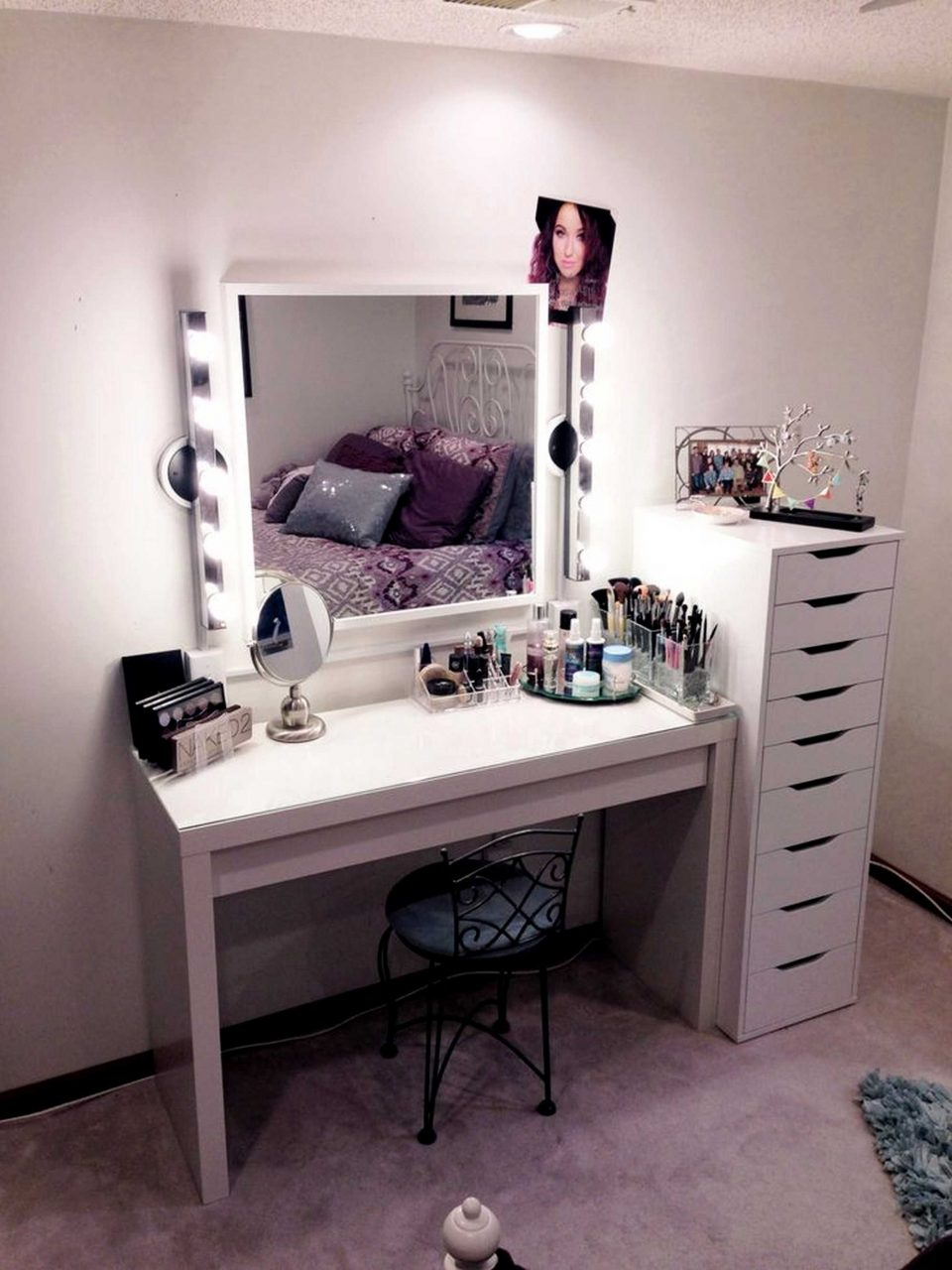 Guaranteed Bedroom Vanity With Drawers Set Lights Sets Mirror And