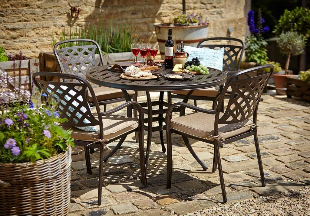Hartman Berkeley 4 Seat Round Set Hayes Garden World