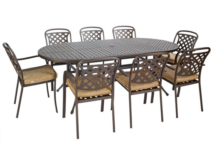 Hartman Berkeley 8 Seat Oval Garden Furniture Set With Parasol
