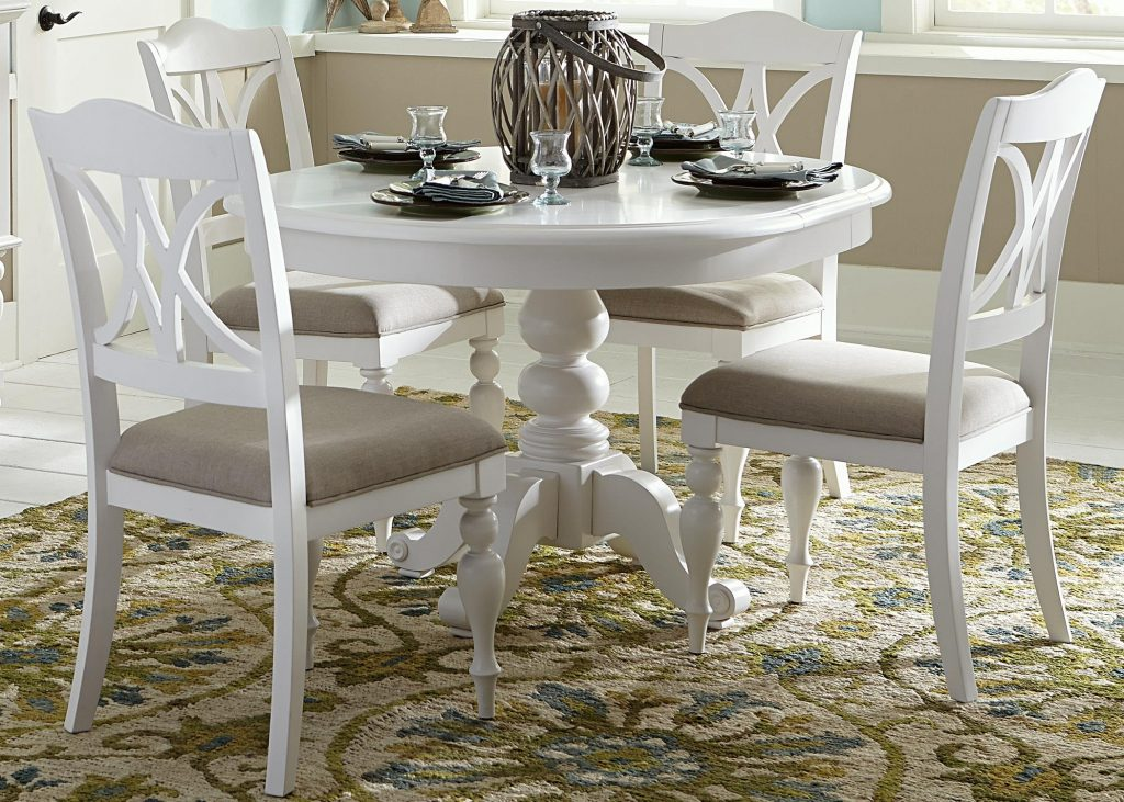 Liberty Furniture Summer House I Round Table With Turned Pedestal
