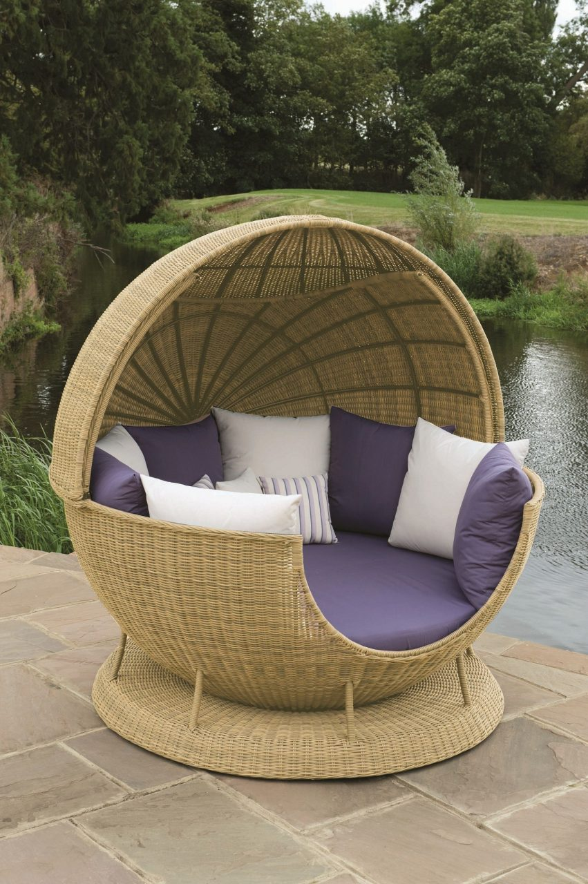 Outdoor Garden Furniture Atlanta All Weather Globe With The Roof