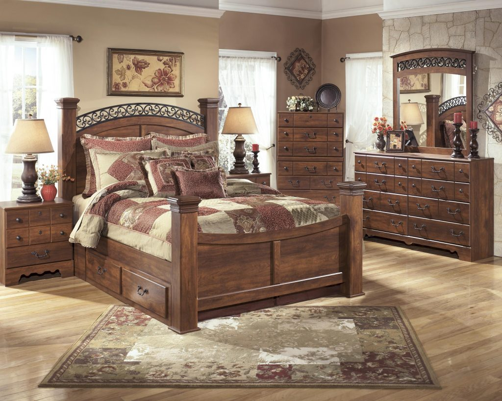 Signature Design Ashley Timberline Queen Poster Bed Wayside