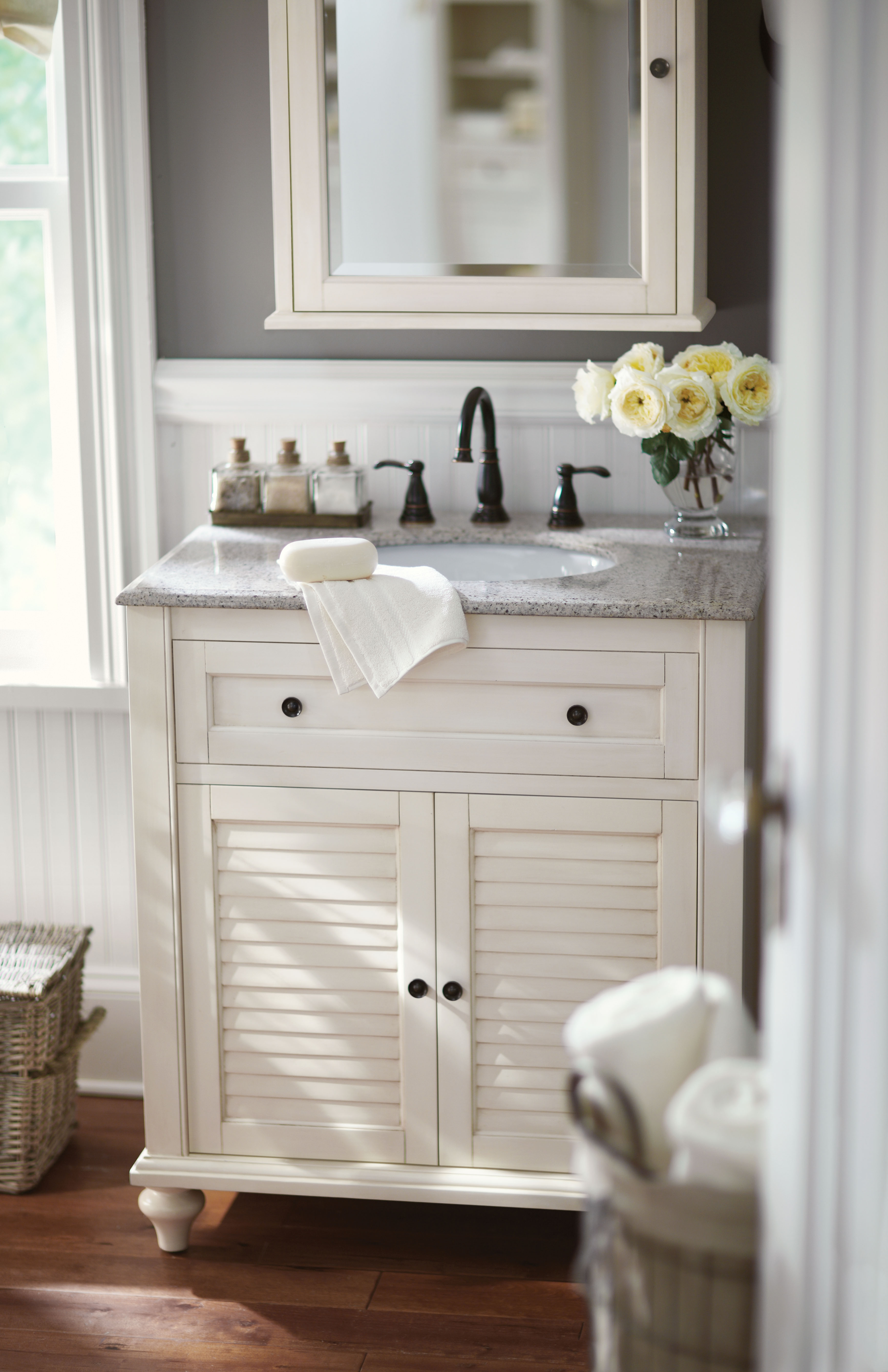 Small Space Makeup Vanity Bathroom Design Plans Ideas Pinterest Make