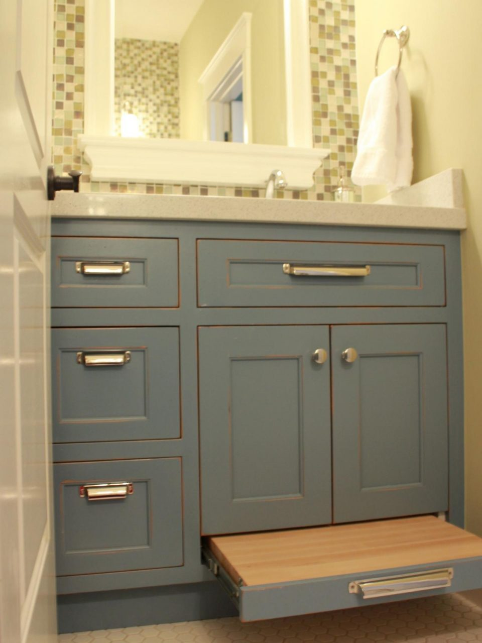 The Function Of The Small Bathroom Vanities Tomichbros
