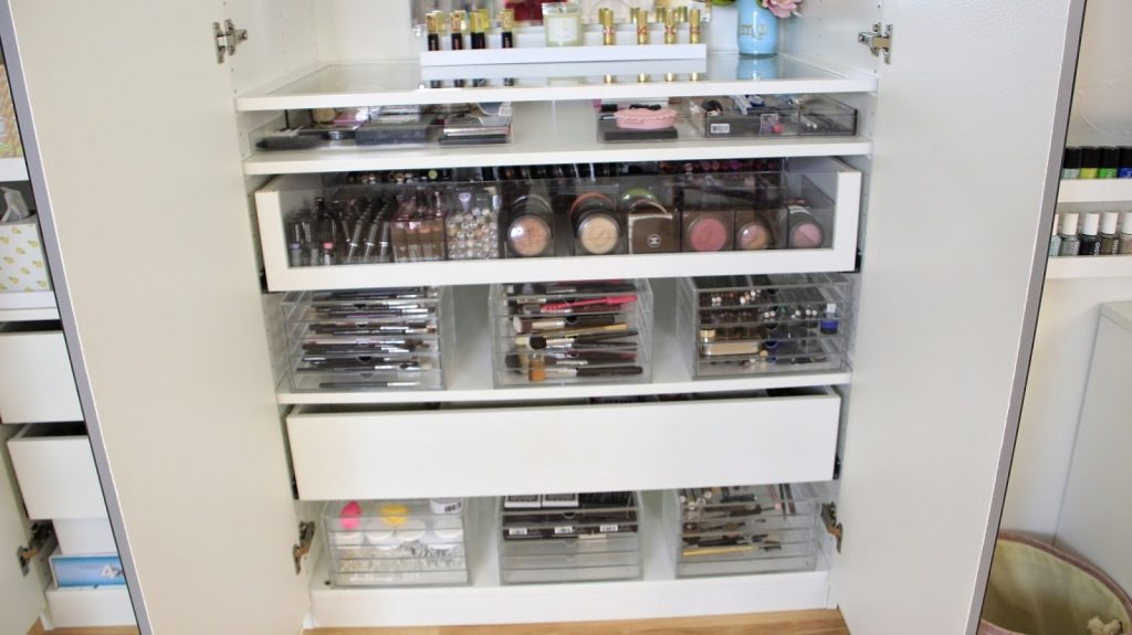Tips Makeup Vanity With Drawers For Your Lifestyle Hasmut