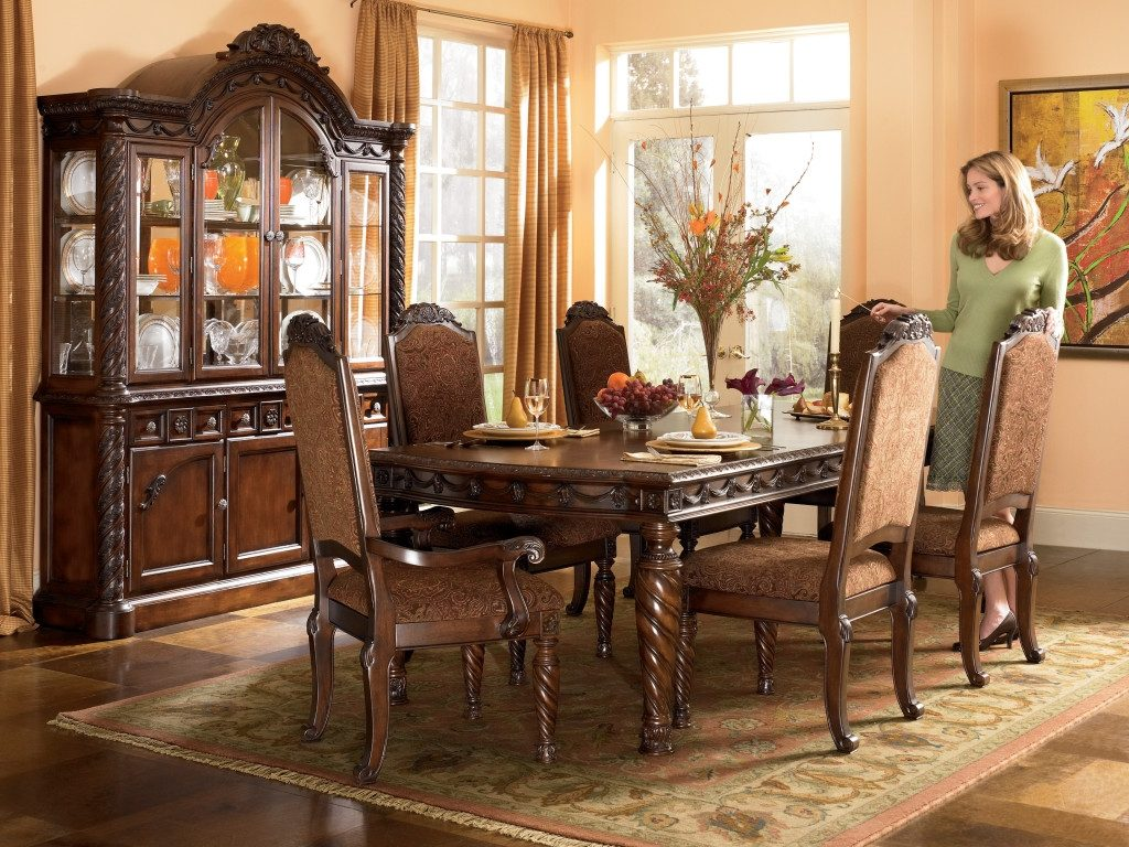 Traditional Dining Room Sets Cherry Traditional Wood Dining Table