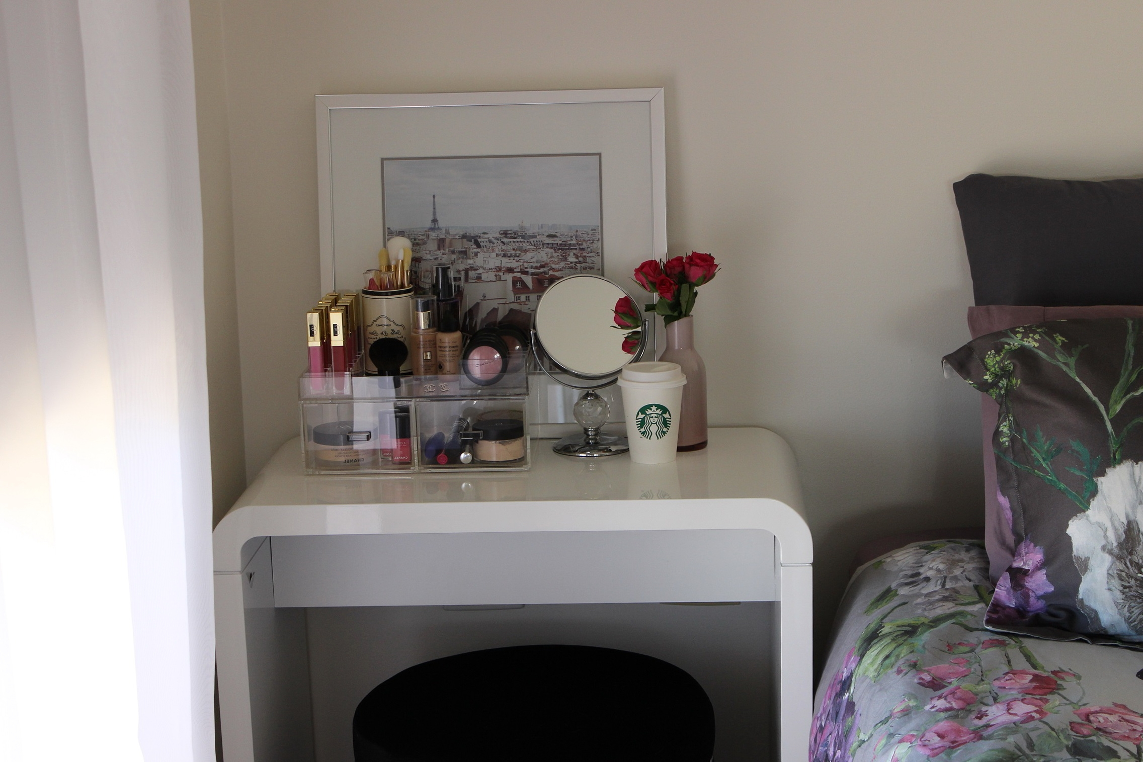 Vanity Ideas For Small Bedrooms Small Bedroom Makeup Vanity Home Layjao