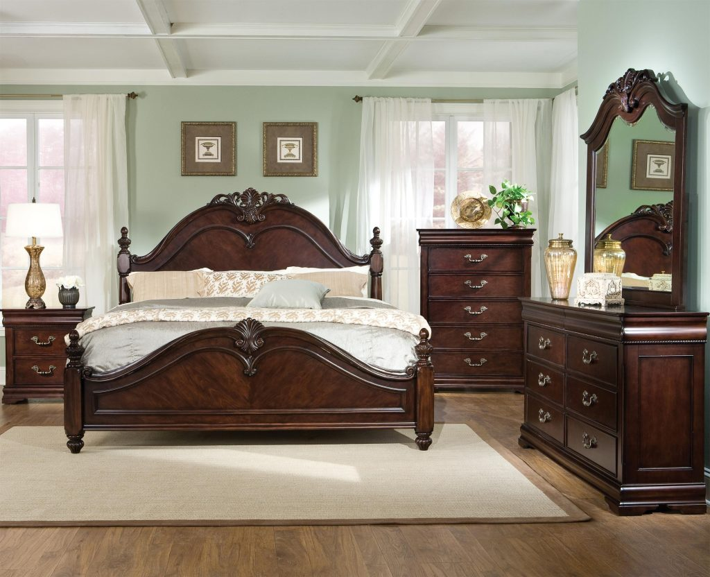 Westchester King Poster Bed With Decorative Scrolled Posts