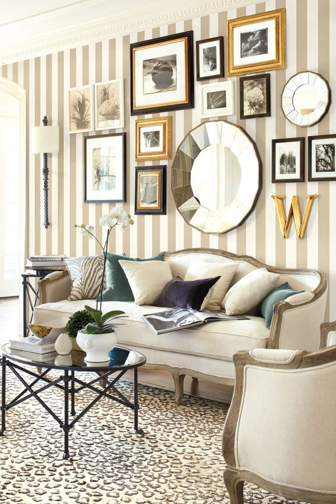 What To Put On The Blank Wall Over Sofa How To Decorate
