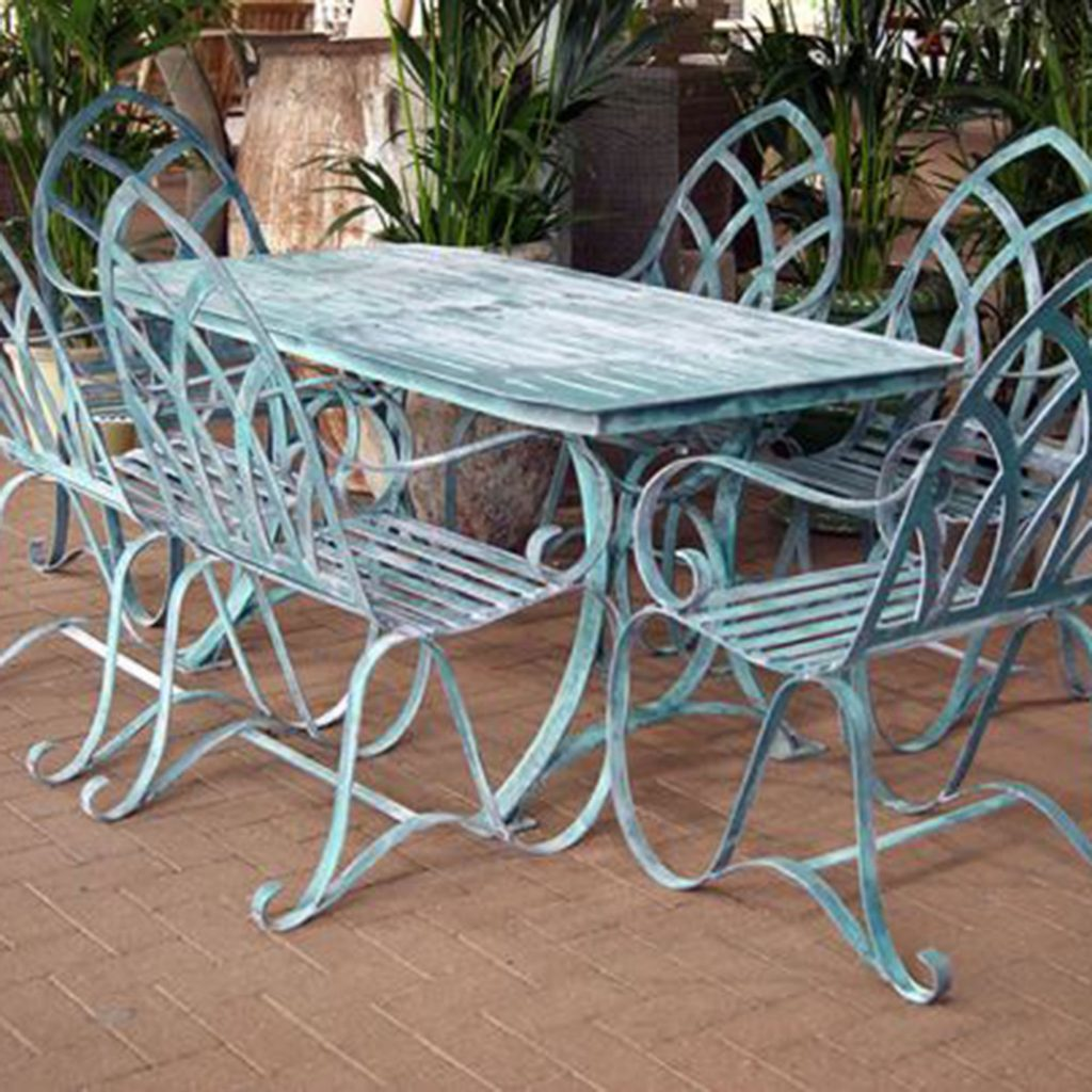 Why You Should Buy Cast Aluminum Garden Furniture