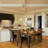 Combining Kitchen And Dining Room For Spacious Home Interior