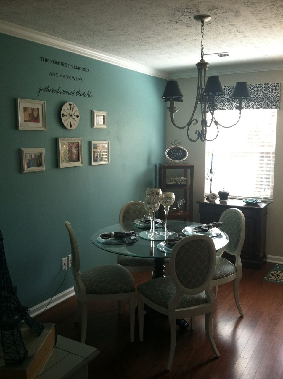 Dining Room Accent Wall Sparkle Turquoise Decorating
