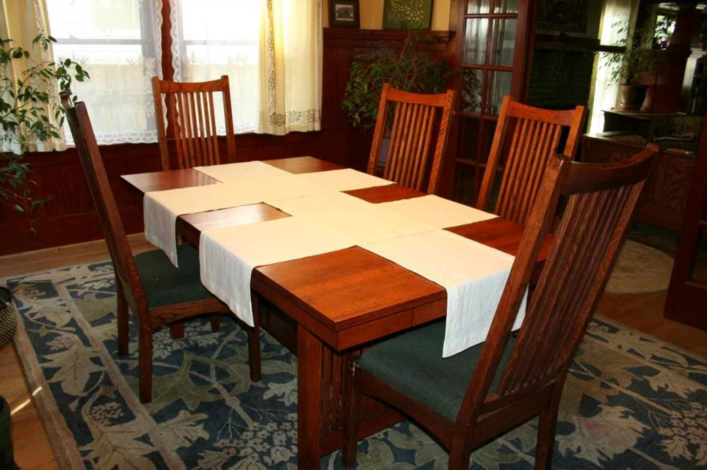 Elegant Laurelhurst Craftsman Bungalow Dining Room Table Runners