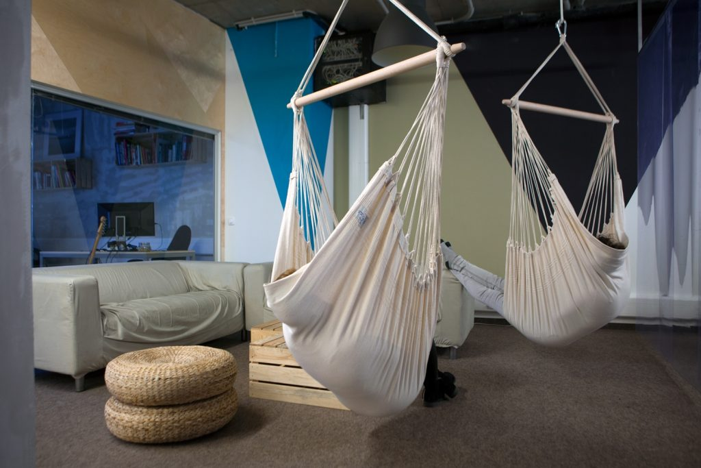 Guide Hanging Chairs
