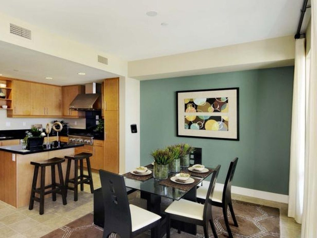 Interior Be Different When Choosing Dining Room Accent Walls Glass