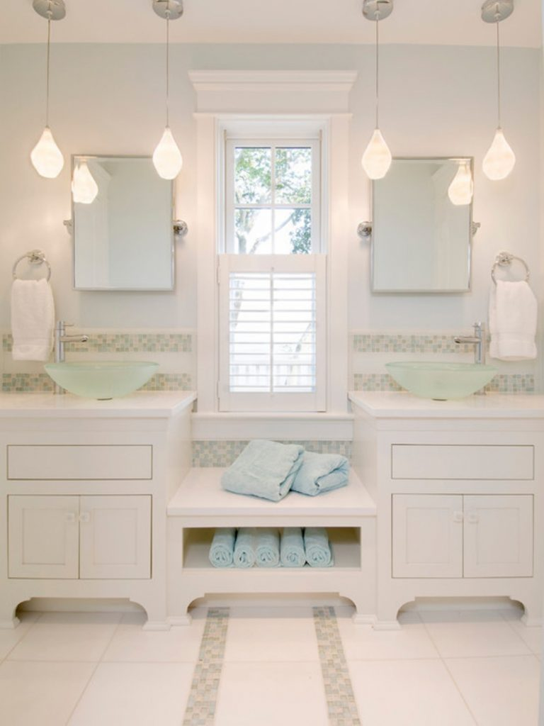 Pendant Lights Bahtroom White Bathroom With Pendant Lighting With