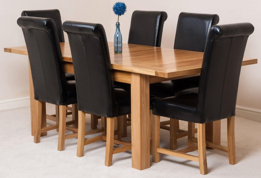 Seattle Extending Oak Dining Table With 6 Black Lola Dining Chairs