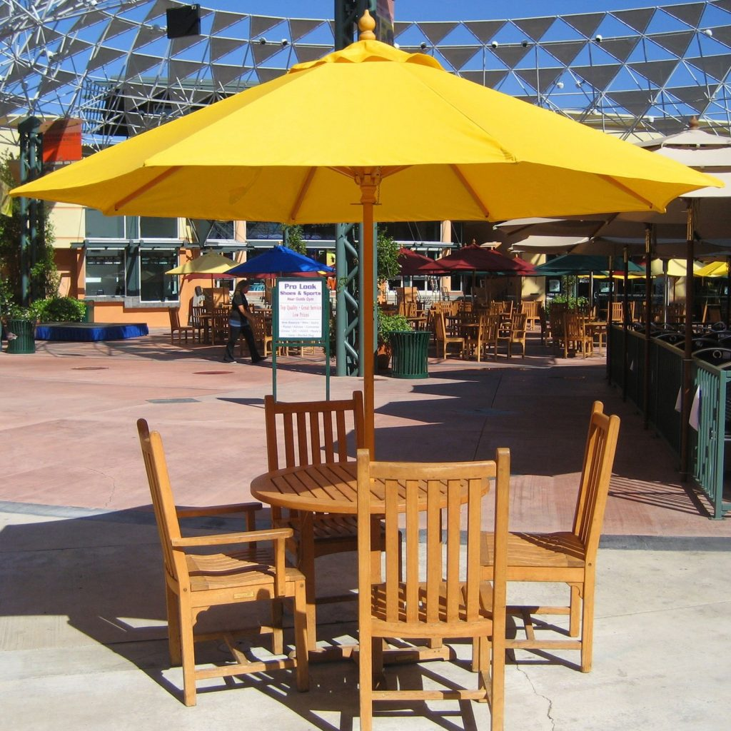Tips To Choose Patio Table Umbrella Inspire Furniture Ideas