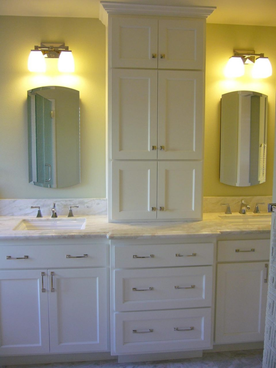 View Full Size Bathroom Vanity With Center Tower Design Ideas