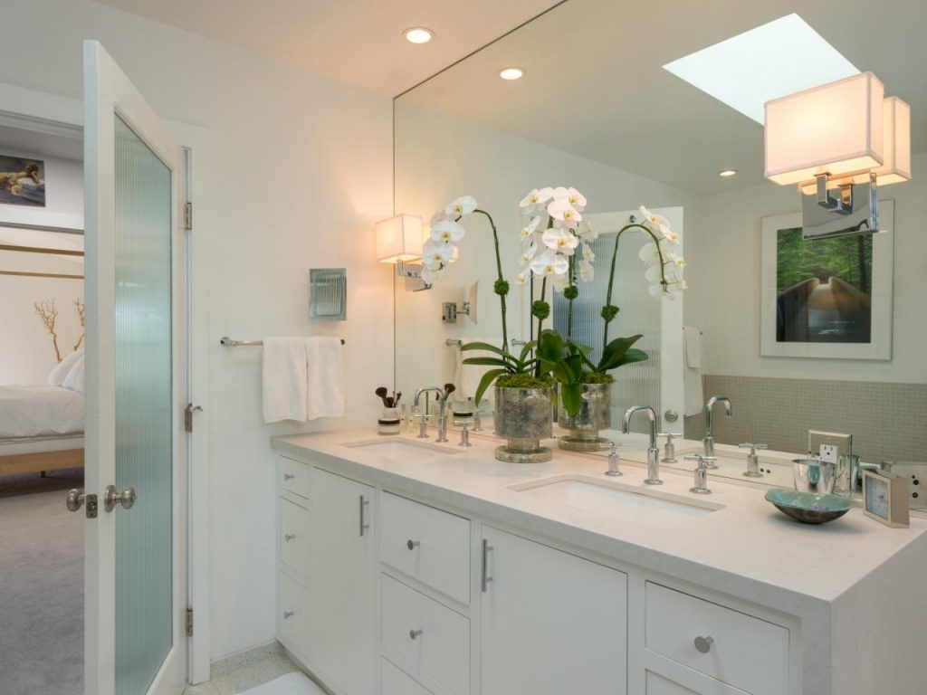 White Contemporary Bathroom With Sconce Lighting Hgtv