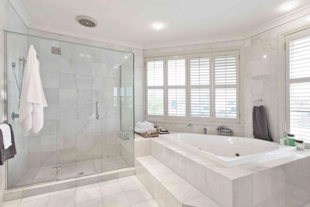 4 Questions To Ask Before Remodeling The Master Bath