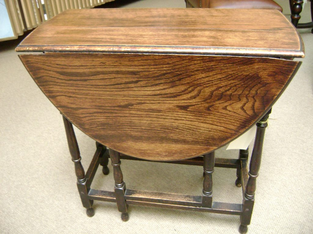 Antique Old Oval Gateleg Drop Leaf Dining Table With Carving Legs