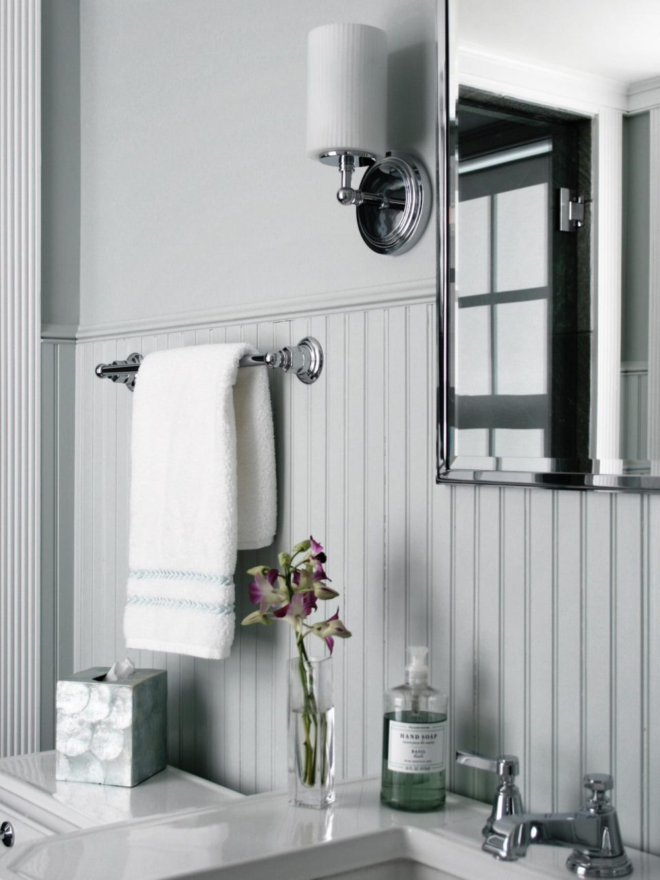 Beadboard Bathroom Designs Pictures Ideas From Hgtv Hgtv