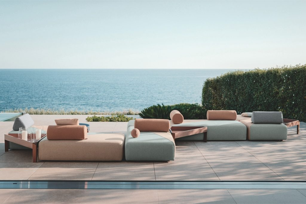 Best Outdoor Furniture 15 Picks For Any Budget Curbed
