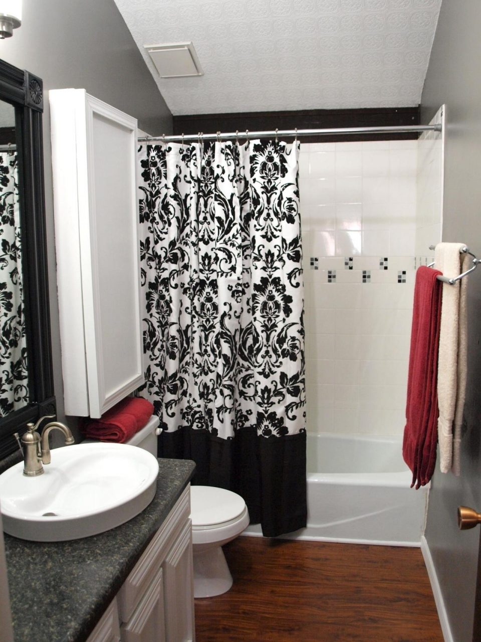 Enchanting Black White And Red Bathroom Decorating Ideas Decor At