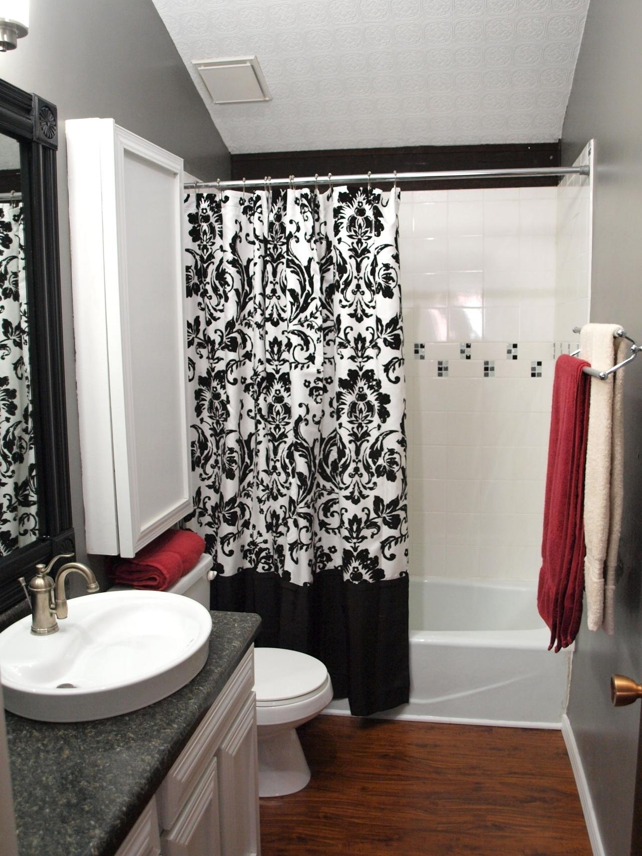 Enchanting Black White And Red Bathroom Decorating Ideas Decor At Layjao