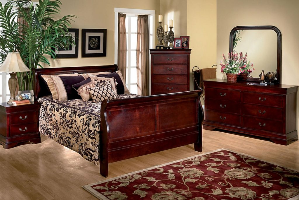 Louis 5 Piece Queen Bedroom Set At Gardner White