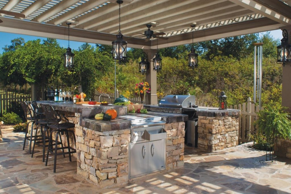 12 Gorgeous Outdoor Kitchens Hgtvs Decorating Design Blog Hgtv