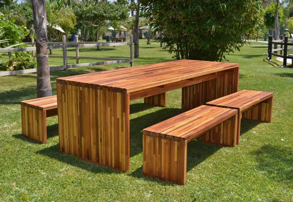 About Wooden Outdoor Furniture