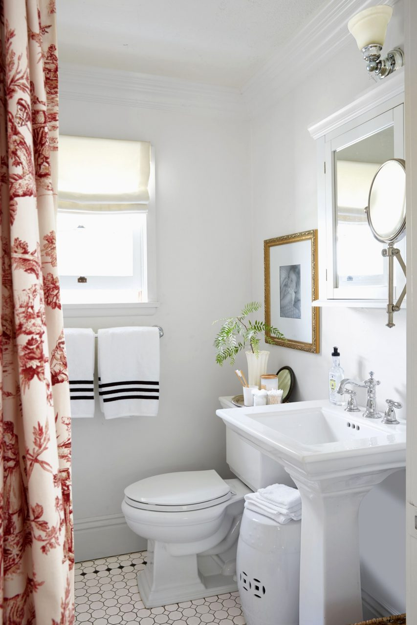 Bathroom Decor Ideas Red Bathrooms Decorating Thegreenstation Us