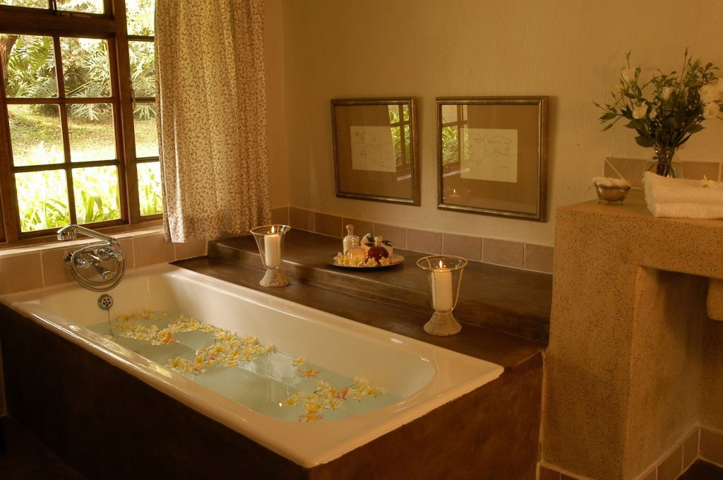 Country Style Bathroom Photos And Products Ideas