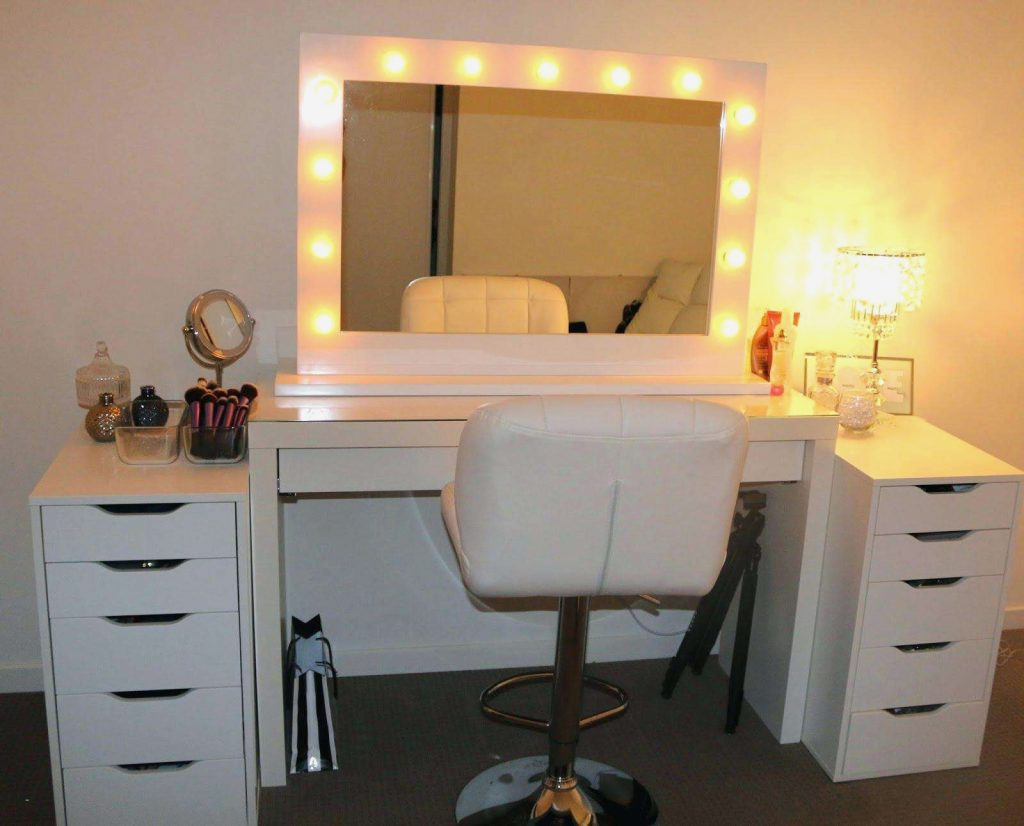 Creative Bedroom Vanity With Lighted Mirror Nice Home Design Top