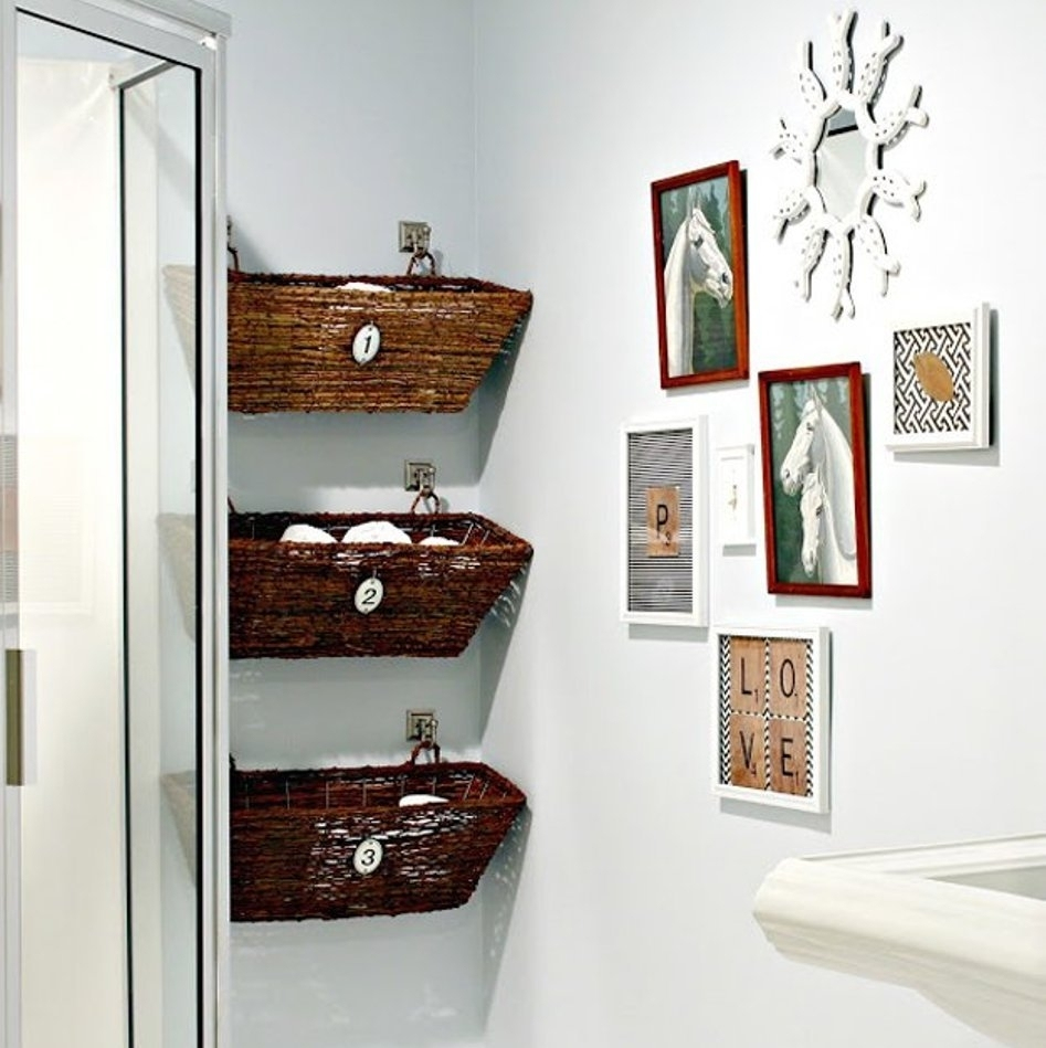 Deep Finished Wicker Baskets And Decorative Horse Bathroom Wall