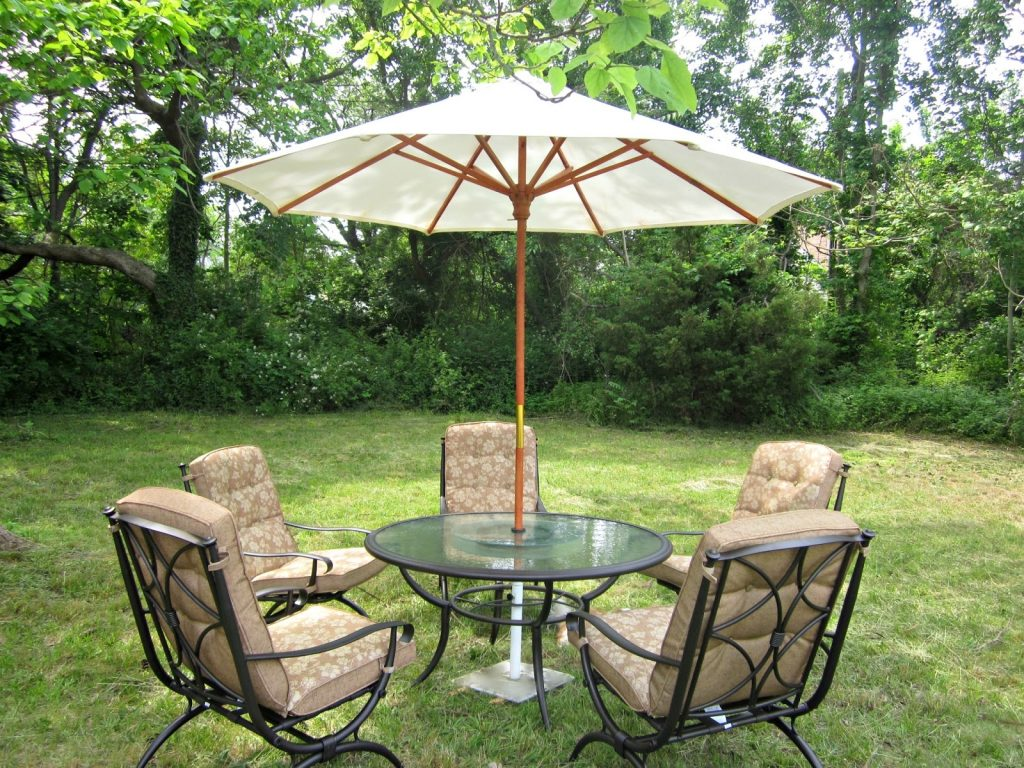 How To Put Patio Furniture On Grass Patio Ideas
